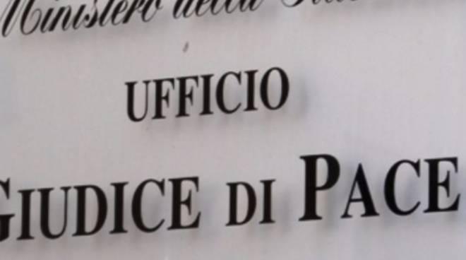insegna giudice di pace di como ingresso ufficio
