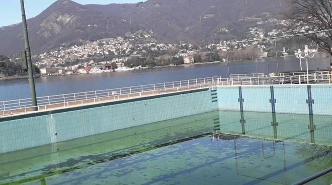 piscina e struttura viale geno sede comonuoto