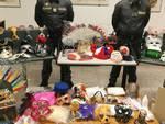 sequestro della finanza di como maschere parrucche e gadget carnevale non sicuri