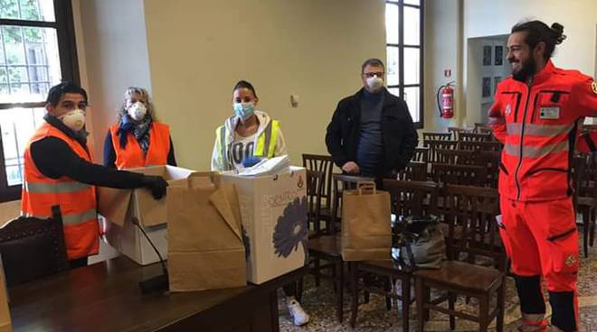 gruppo maxfactiry dona 10.000 mascherine per emeregnza sanitaria