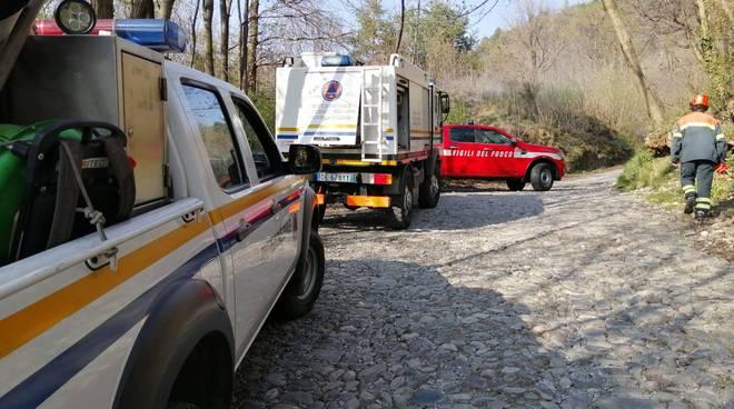incendio boschi della spina verde antincendio e pompieri