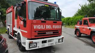 annegato al segrino ricerche sei pompieri e mezzi sommozzatori