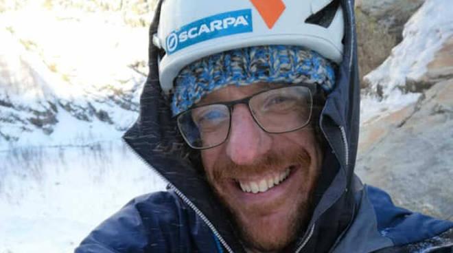 Matteo bernasconi alpinista como travolto da una slavina in valtellina