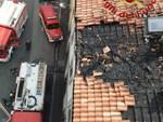 pompieri intervento via foscolo como incendio tetto