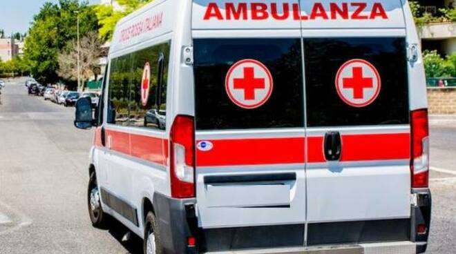 ambulanza croce rossa tradate parto in casa