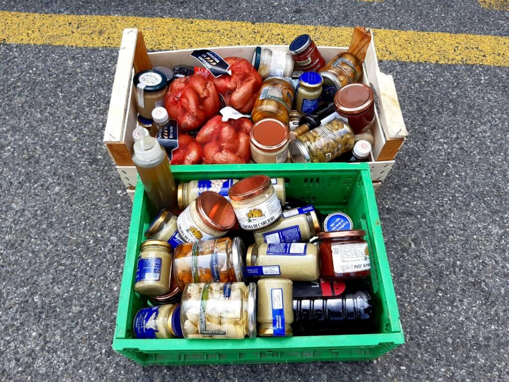 furto mercato coperto di como recuperati generi alimentari polizia