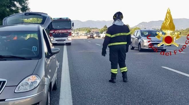 incidente autostrada fino mornasco tamponamento cinque auto