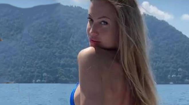 Taylor Mega sul lago di como