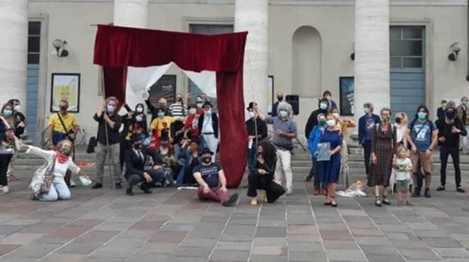 teatro presente il flash mob