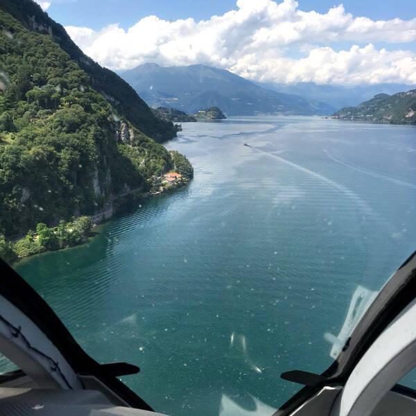 Vista del Lario dall'elicottero