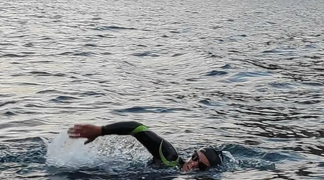 giorgio riva nuotatore lago, traversata da lecco e colico