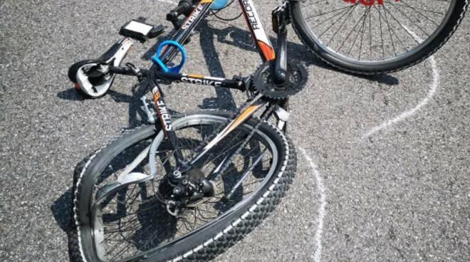 incidente via paoli camerlata auto contro bicicletta