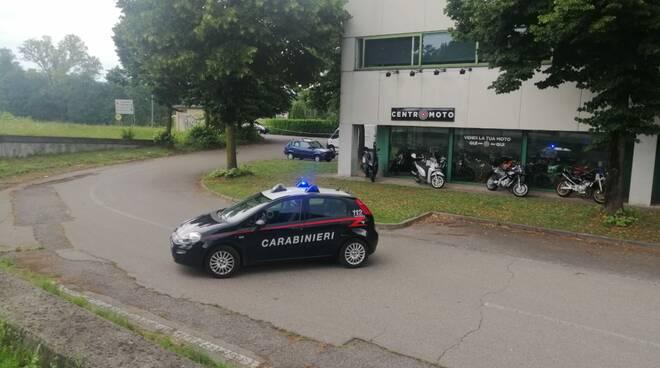 olgiate comasco carabinieri trovano esplosivo vicino zona industriale
