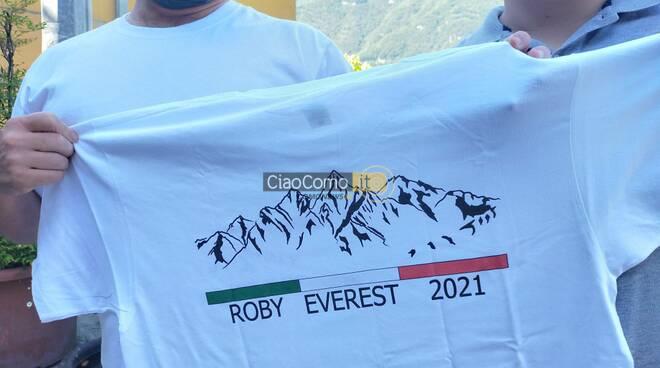 Roberto invernizzi di nesso pronto per la scalata all'everest 2021 lui figlio e meglietta