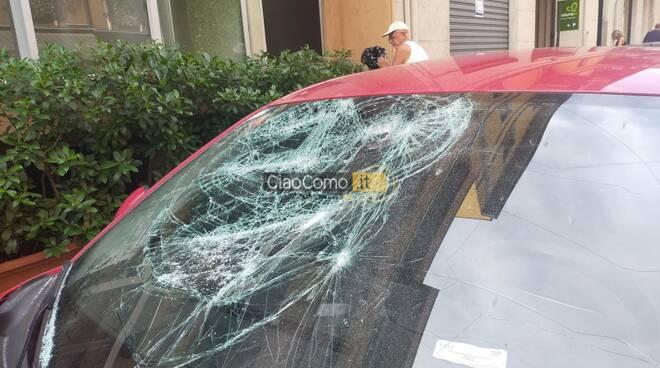 vandali auto como vetri danneggiati nella notte via innocenzo via borsieri