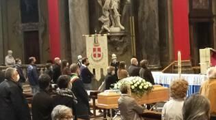 funerale basilica corcifisso como ines figini
