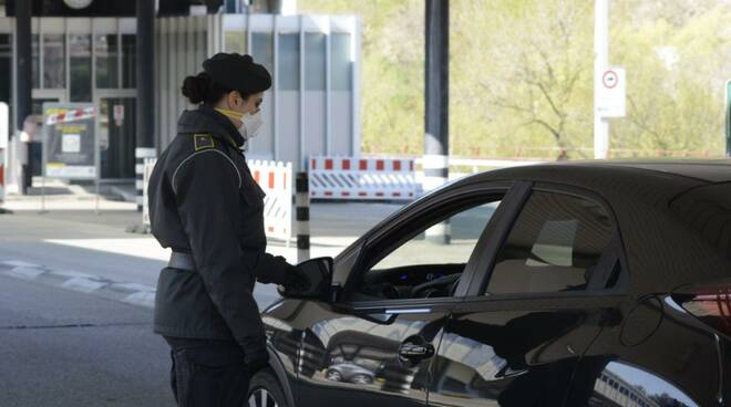 sequestrati 22mila euro al valico Como - Brogeda