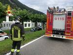 incidente mortale canzo, auto fuori strada contro albero muore donna