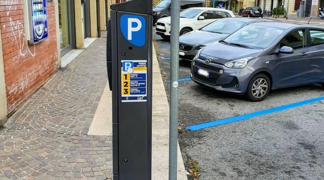 parcometri como servizi urbani sosta gratuita mezz'ora a como