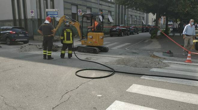 via cadorna rottura tubazione gas metano rudspa pompieri