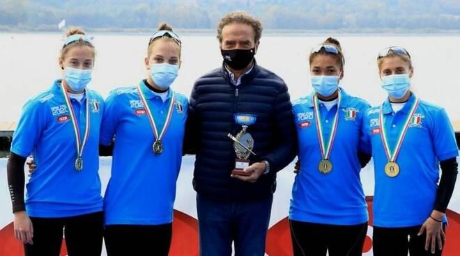 canottieri moltrasio con presidente e atleti campionati italiani a varese