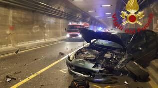 incidente galleria di cernobbio auto coinvolte pompieri soccorsi