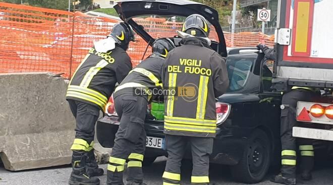 incidente rondò di lipomo auto e camion