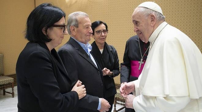 incontro genitori don roberto con papa a roma