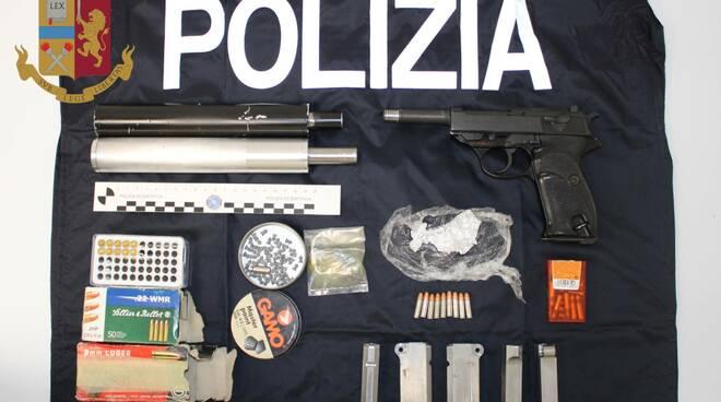 polizia arresta uomo con pistola in auto a Cantù