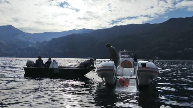 Recupero reti pescatori Alpha Carate - Laglio
