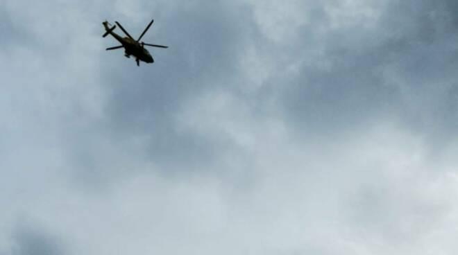 soccorso alpino delegazione lariana lezzeno recupero turista nel burrone