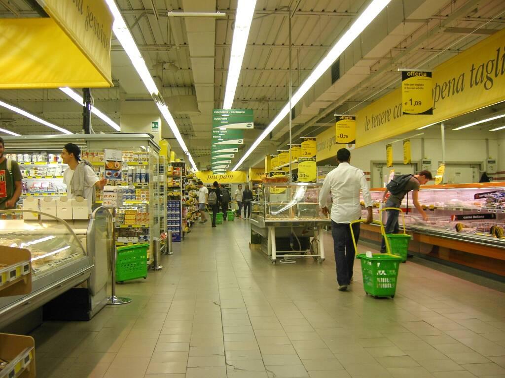 supermercato grande distribuzione