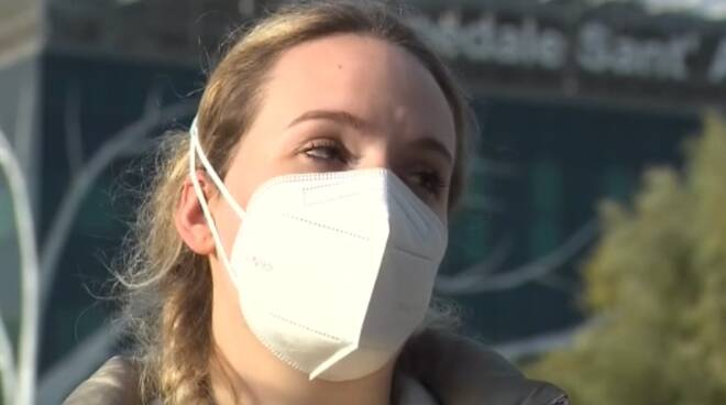 giada corradi infermiera comasca al tg3 allontanata dal parrucchiere