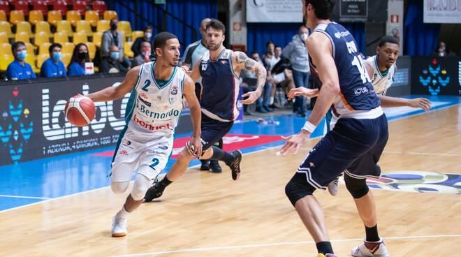 la pallacanestro cantù supera roma a desio