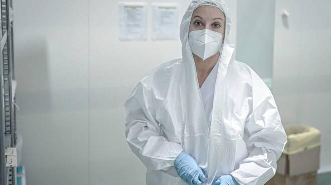ospedale in fiera a milano con medici e dottoressa malara