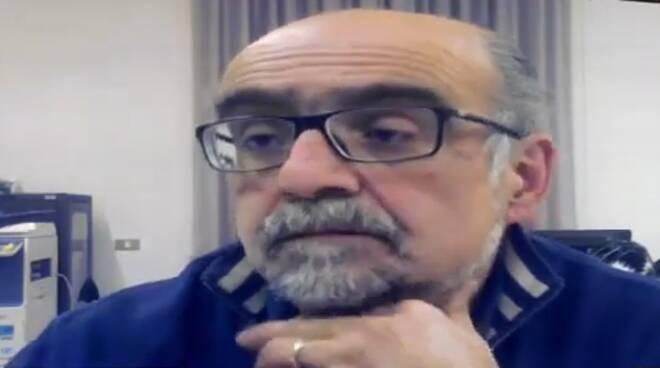 sindaco di torno rino malacrida chiusura scuole per covid e suo annuncio su Facebook