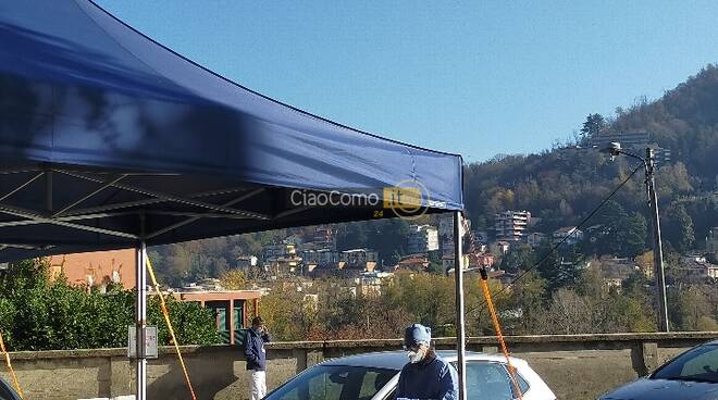 tamponi ex ospedale sant'anna camper ed auto in arrivo per test