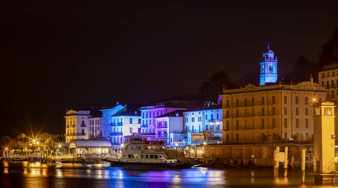 lake como christmas light