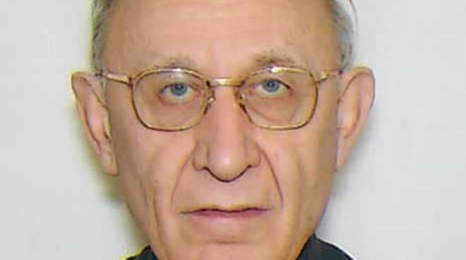 morto parroco di guanzate don luigi sakvadei sue immagini