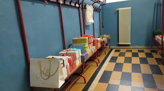 raccolta scatole di natale 2020 sede comense pacchi regali arrivati