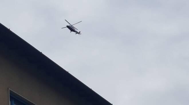 ricerche pensionato moltrasio disperso da oggi elicottero e pompieri paese