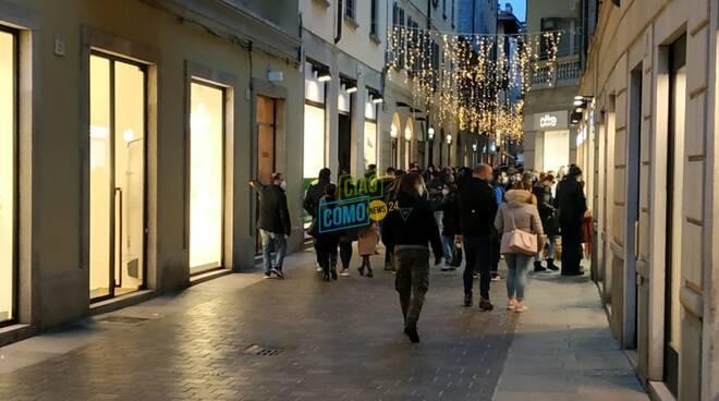 senso unico pedonale como per giornata shopping