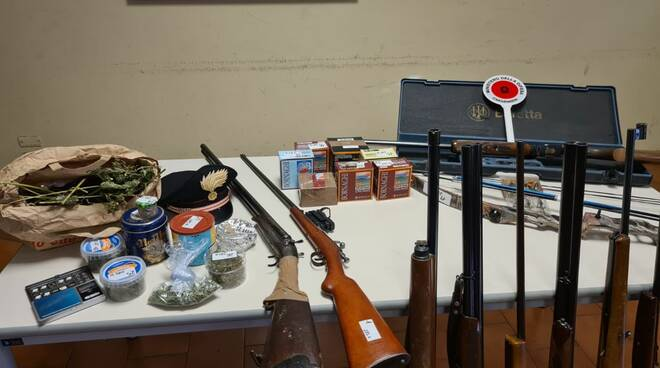 carabinieri olgiate operazione contro spaccio droga e armi