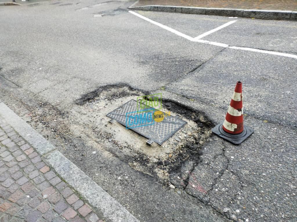 como buche sulle strade via carloni lavori open fiber