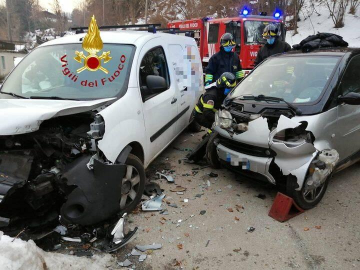 incidente sormano scontro tra auto soccorsi pompieri