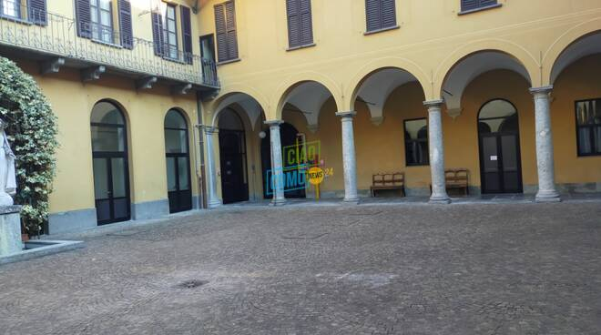 Istituto orsoline di como ripartenza della scuola dopo covid interno cortile