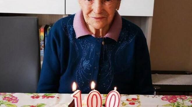 nonna andreina conforto a cerano festeggia 100 anni