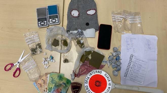 droga sequstrata casa di un ragazzo via di vittorio da parte polizia