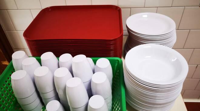 Mensa Sagnino eliminati bicchieri e piatti di plastica