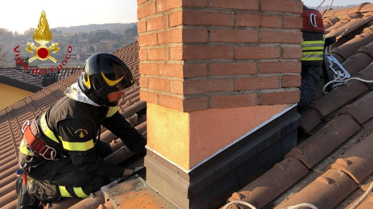 incendio lavanderia alta valle intelvi pompieri e tetto cavallasca